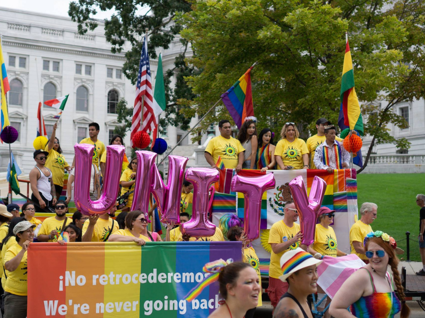 orgullo latinx lgbt+ unity parade photo